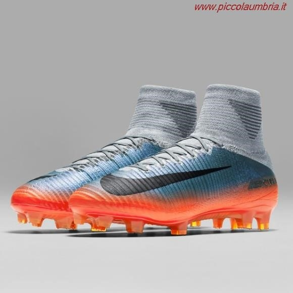the latest 448c0 9e88f Scarpe Da Calcio Nike Con Calzino Cr7